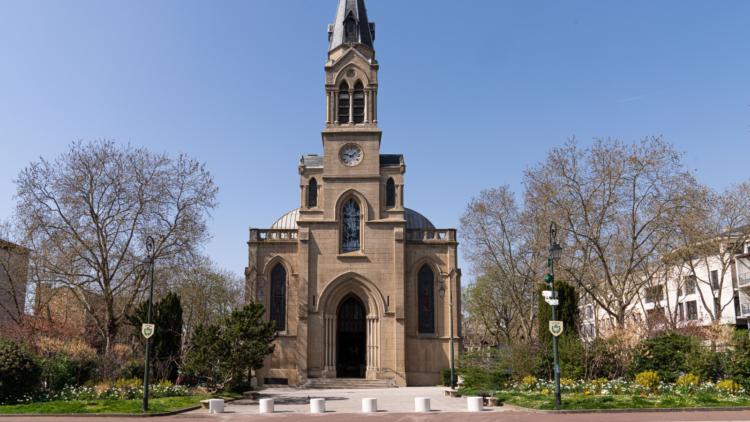 De nouveaux plots sécurisés devant l'église Sainte-Marguerite